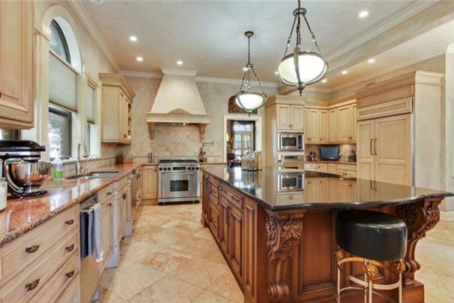 gourmet chef's kitchen in a kennar golf course luxury home