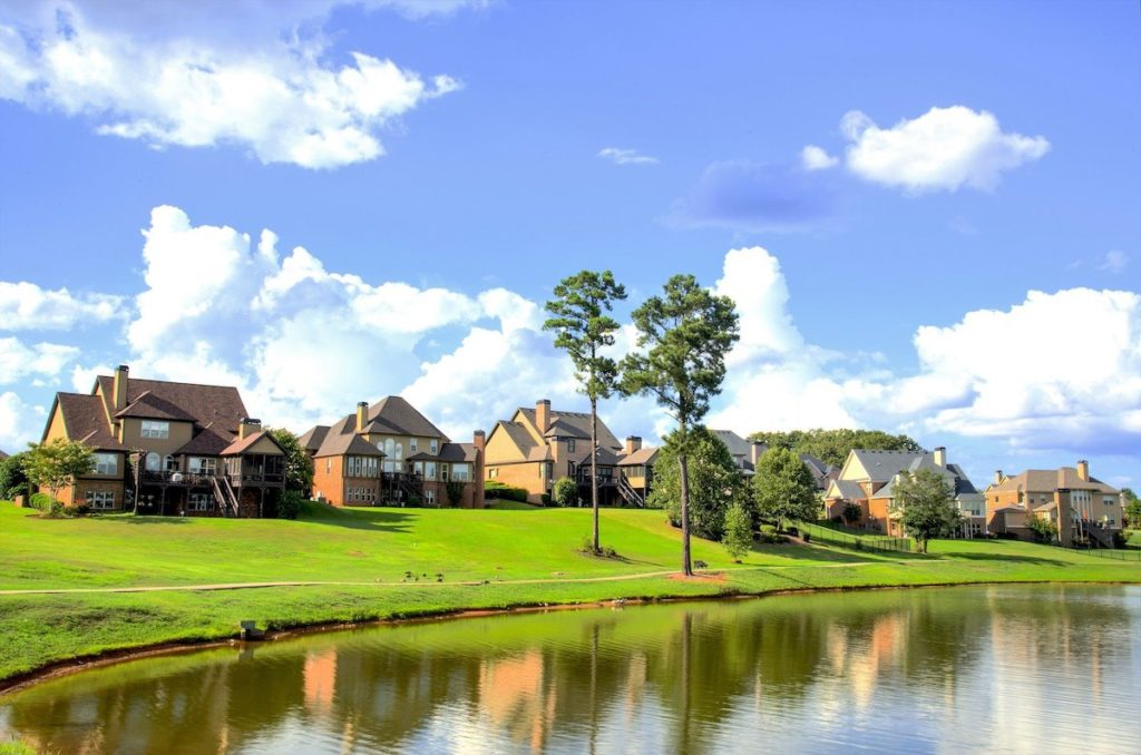 Lake houses in New Orleans East